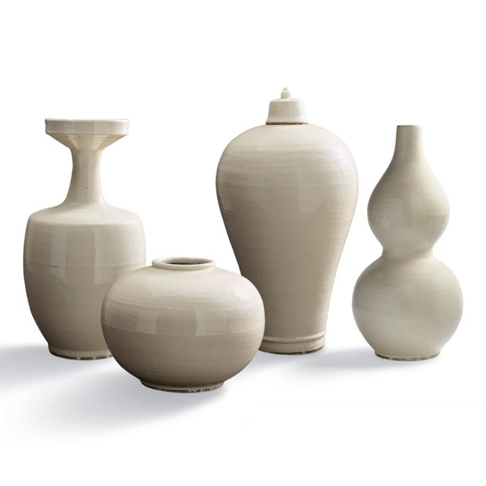 white pottery accessoy